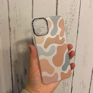 Trendy iPhone case 🤍